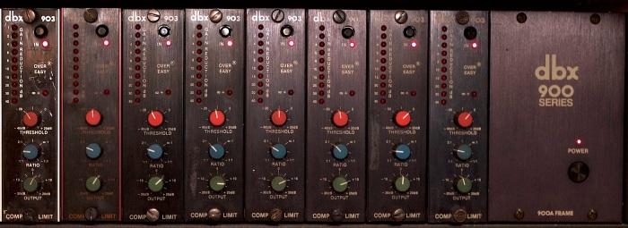 DBX 903