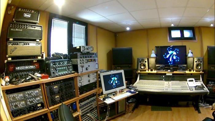 Control Room 11