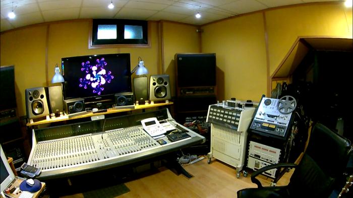 Control Room 13