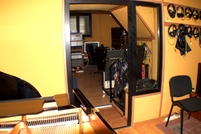 Control Room 8